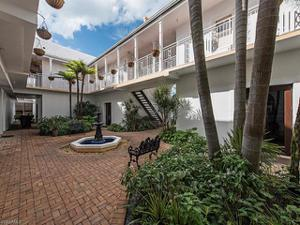 292 14th Ave S E, Naples, FL 34102