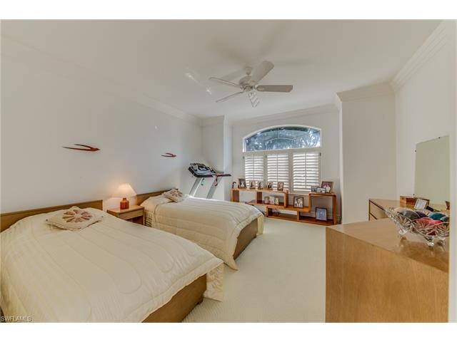 4516 Brynwood Dr, Naples, FL 34119