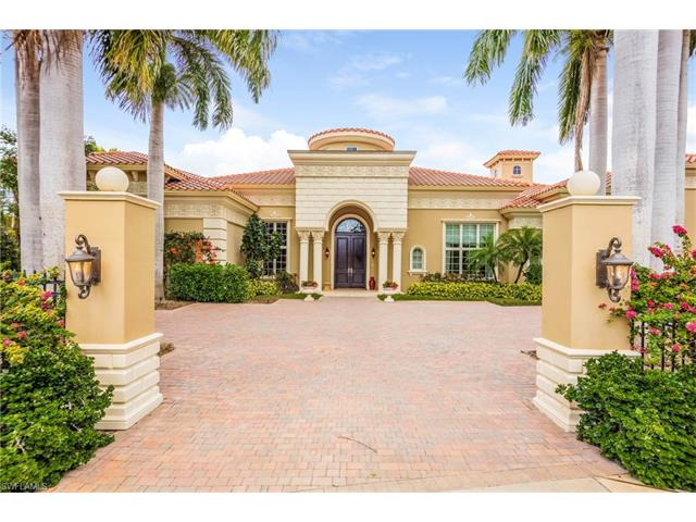 13741 Pondview Cir, Naples, FL 34119