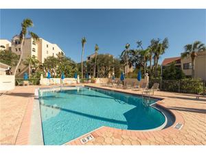6525 Valen Way D-105, Naples, FL 34108