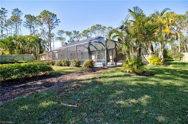 5830 Star Grass Ln, Naples, FL 34116