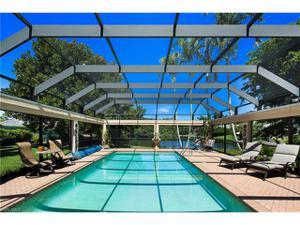 2700 Lantern Ln, Naples, FL 34102
