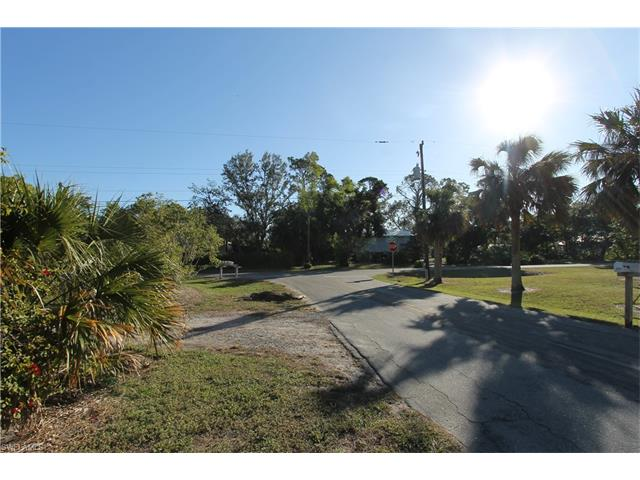 3097 Coco Ave, Naples, FL 34112