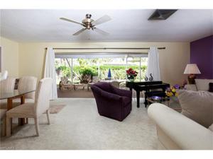 747 Park Shore Dr, Naples, FL 34103
