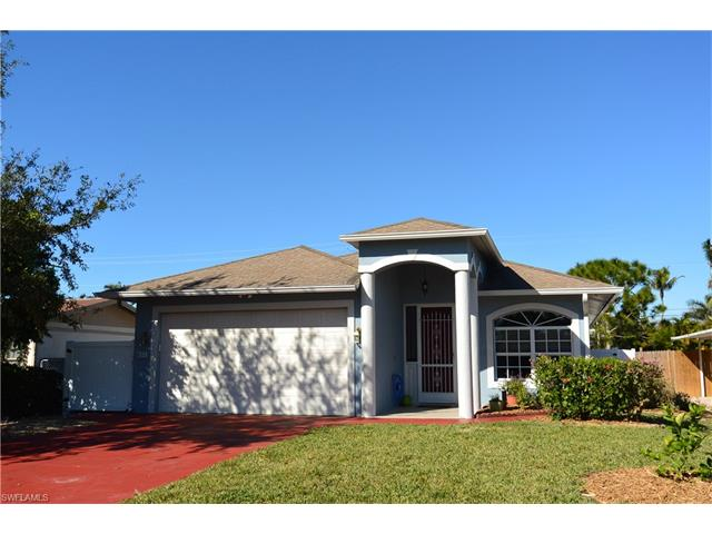 831 96th Ave N, Naples, FL 34108