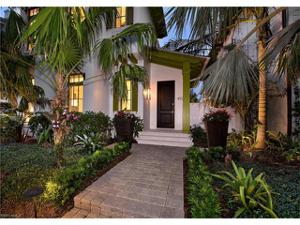 972 9th Ave S, Naples, FL 34102