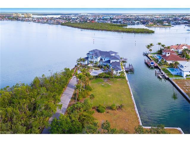 465 Gate House Ct, Marco Island, FL 34145