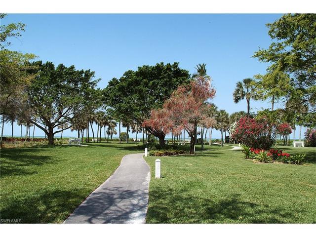 555 Park Shore Dr B-309, Naples, FL 34103