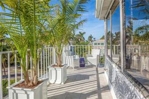 625 2nd St S 16, Naples, FL 34102