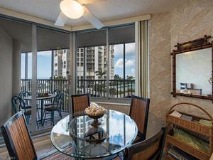 4041 Gulf Shore Blvd N 305, Naples, FL 34103