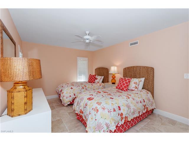 285 5th Ave S 2b, Naples, FL 34102
