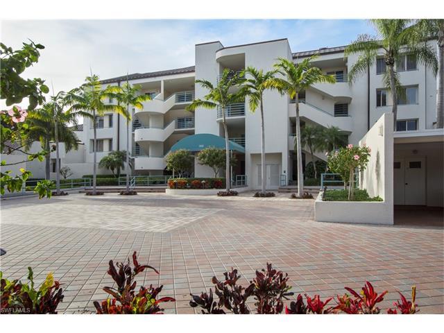 355 Park Shore Dr 113, Naples, FL 34103