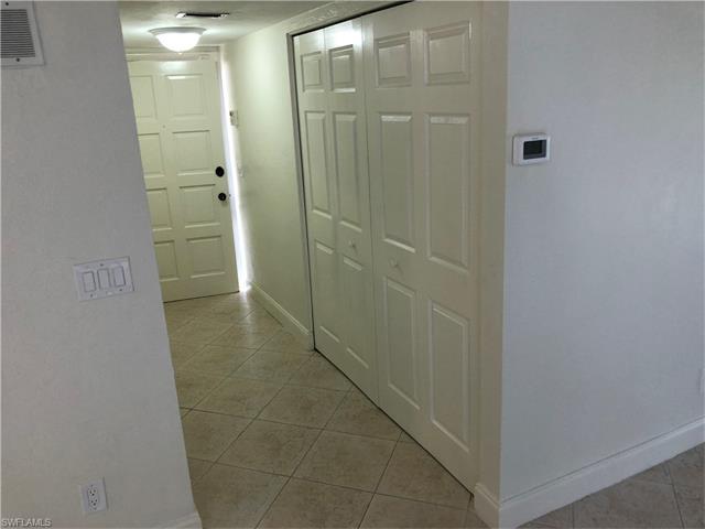 2096 Alamanda Dr 102, Naples, FL 34102