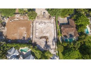 1952 Crayton Rd, Naples, FL 34102