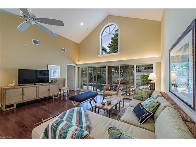 7073 Villa Lantana Way, Naples, FL 34108