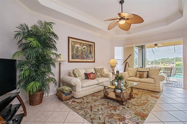43 Glen Eagle Cir, Naples, FL 34104