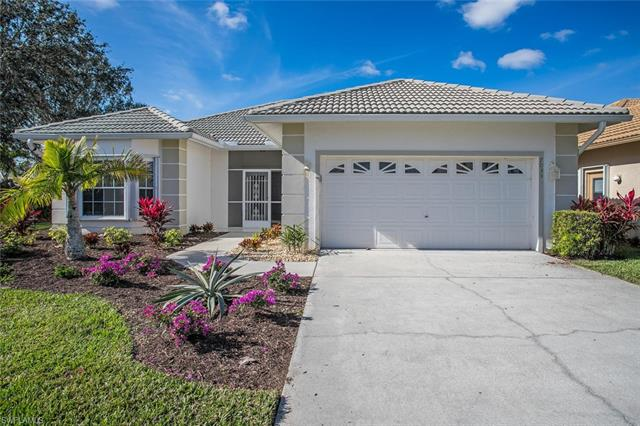 7055 Falcons Glen Blvd, Naples, FL 34113