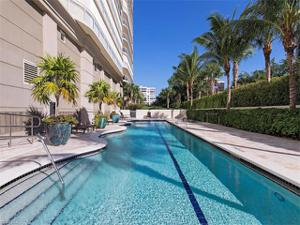 11125 Gulf Shore Dr 703, Naples, FL 34108