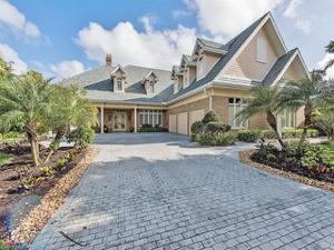 712 Saint Georges Ct, Naples, FL 34110
