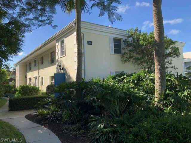 360 10th Ave S B200, Naples, FL 34102