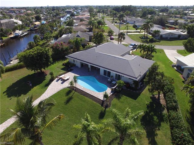 1831 26th Ter, Cape Coral, FL 33904