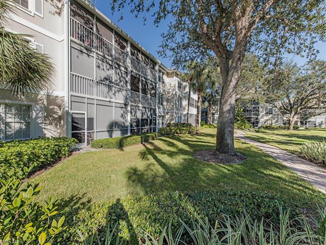 422 Sugar Pine Ln 422, Naples, FL 34108