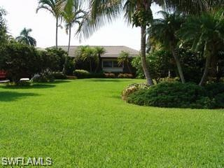 10030 Gulf Shore Dr, Naples, FL 34108