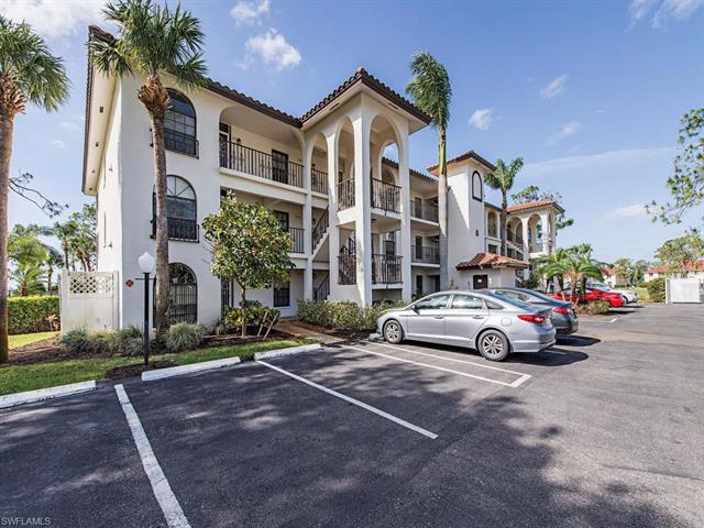 265 Deerwood Cir 15-8, Naples, FL 34113