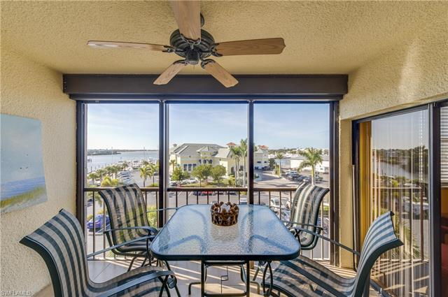 807 River Point Dr 302d, Naples, FL 34102
