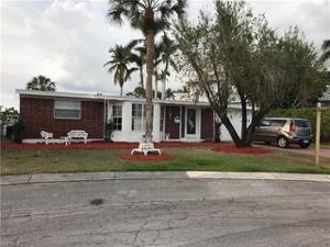 1840 Harbor Pl, Naples, FL 34104