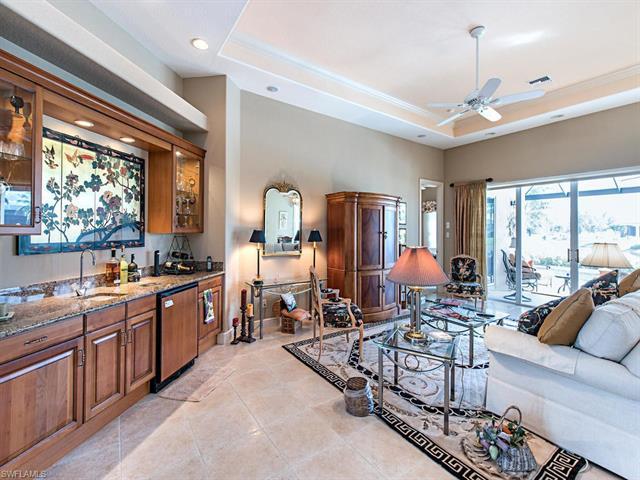 824 Villa Florenza Dr, Naples, FL 34119