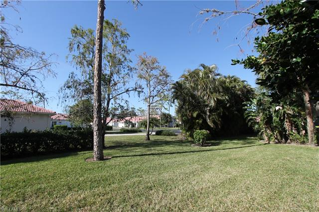 7275 Ascot Ct 11-7, Naples, FL 34104