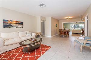 667 104th Ave N, Naples, FL 34108