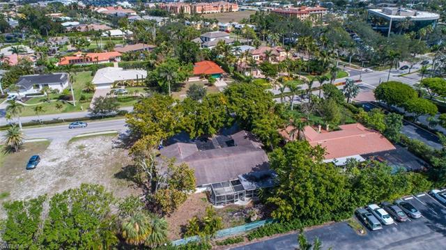 760 Park Shore Dr, Naples, FL 34103