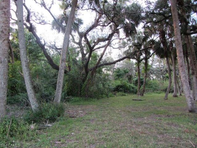 900 Henderson Creek Dr C-115, Naples, FL 34114