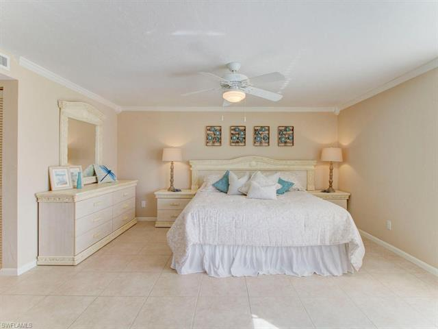 1400 Blue Point Ave 104, Naples, FL 34102