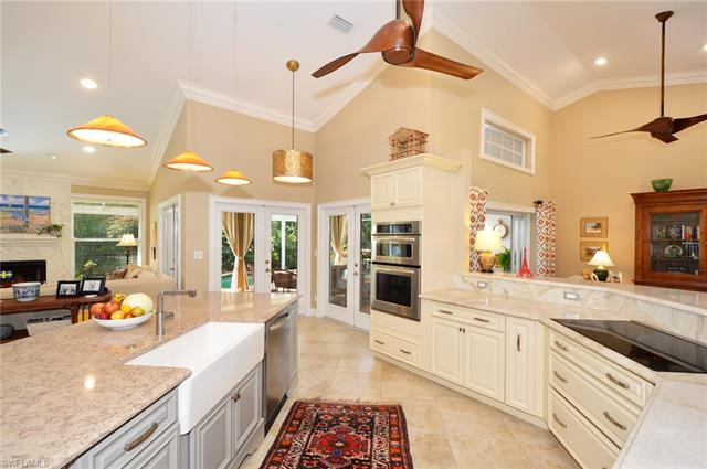 812 Pitch Apple Ln, Naples, FL 34108