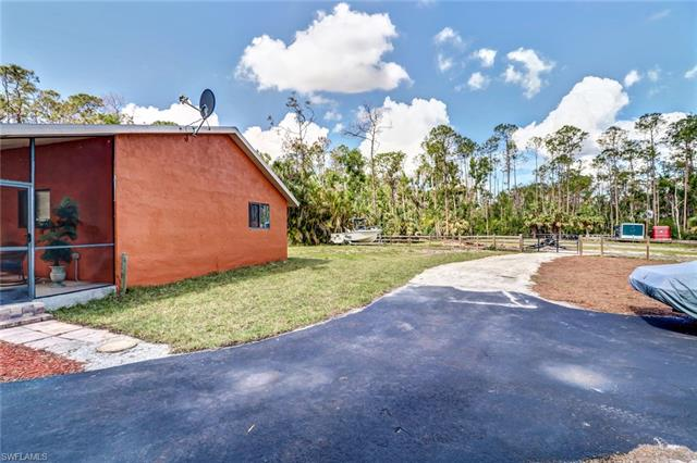 3535 29th Ave Sw, Naples, FL 34117