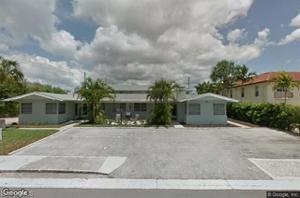 682 8th St N, Naples, FL 34102