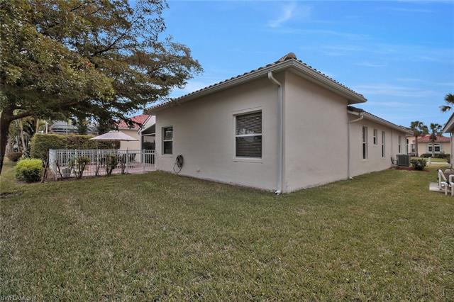 9077 Whitfield Dr, Estero, FL 33928