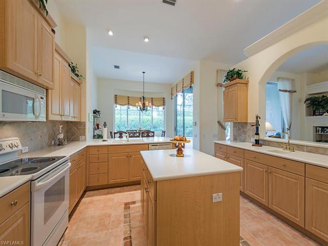 1095 Camelot Cir, Naples, FL 34119