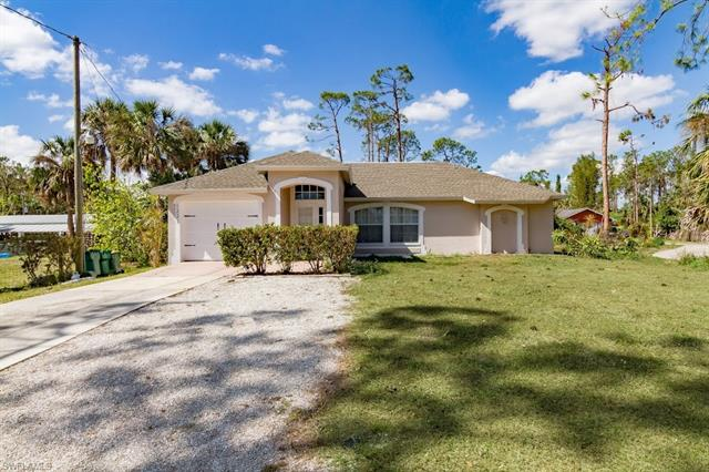 1221 15th St Sw, Naples, FL 34117