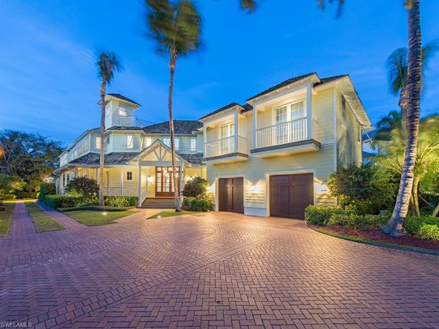 100 Captains Pl, Naples, FL 34102