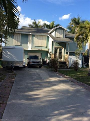 2059 Mills Ln, Naples, FL 34112