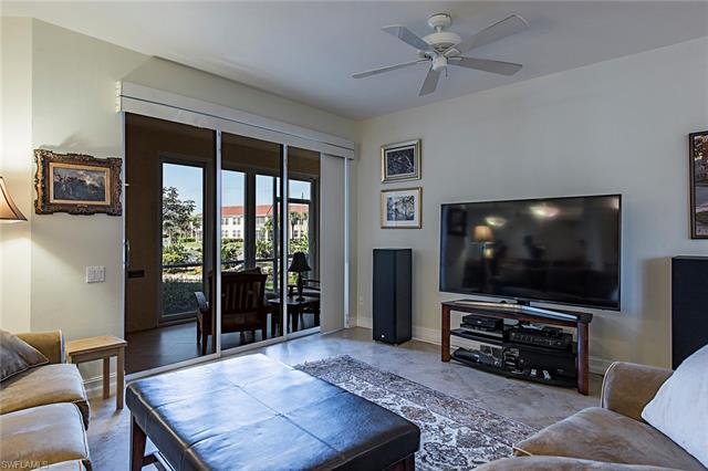 200 Lambiance Cir 105, Naples, FL 34108
