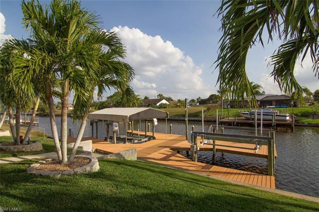 1310 12th Ter, Cape Coral, FL 33990