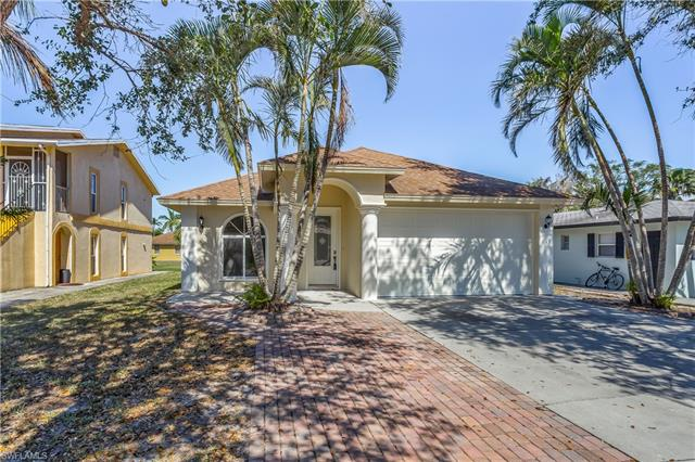 619 92nd Ave N, Naples, FL 34108