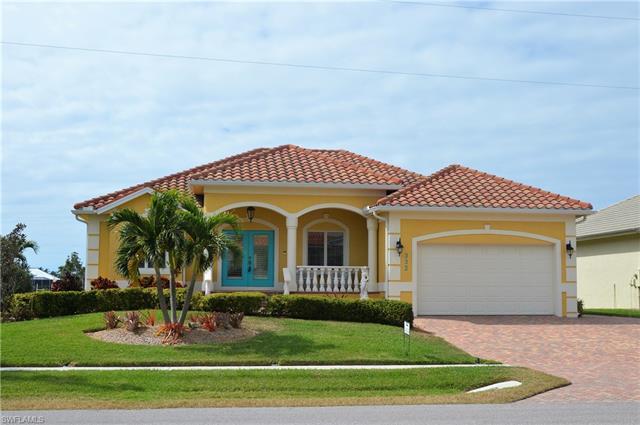 332 Copperfield Ct, Marco Island, FL 34145