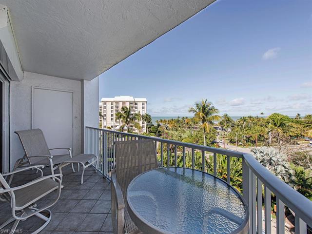 1300 Gulf Shore Blvd N 610, Naples, FL 34102