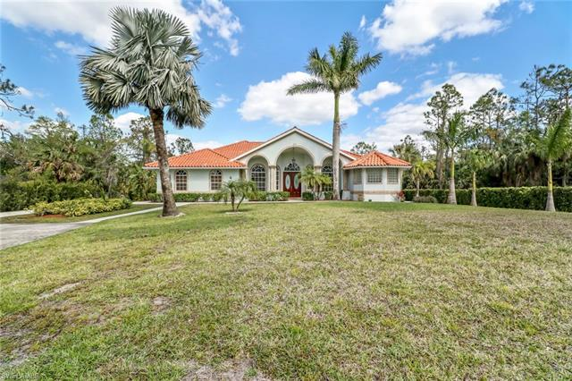 2810 4th St Nw, Naples, FL 34120